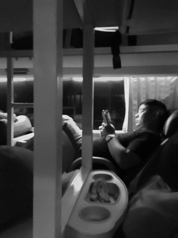 Dans le bus -4