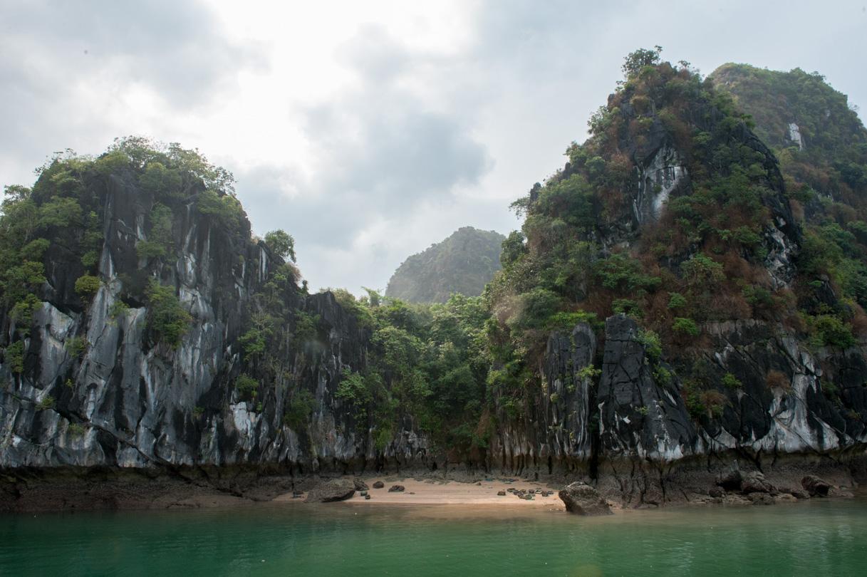 Vietnam - Halong Bay-10